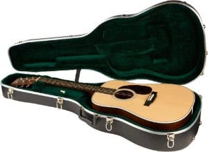 HD28 Dreadnought Acoustic in Case