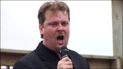 tim-opera-singer