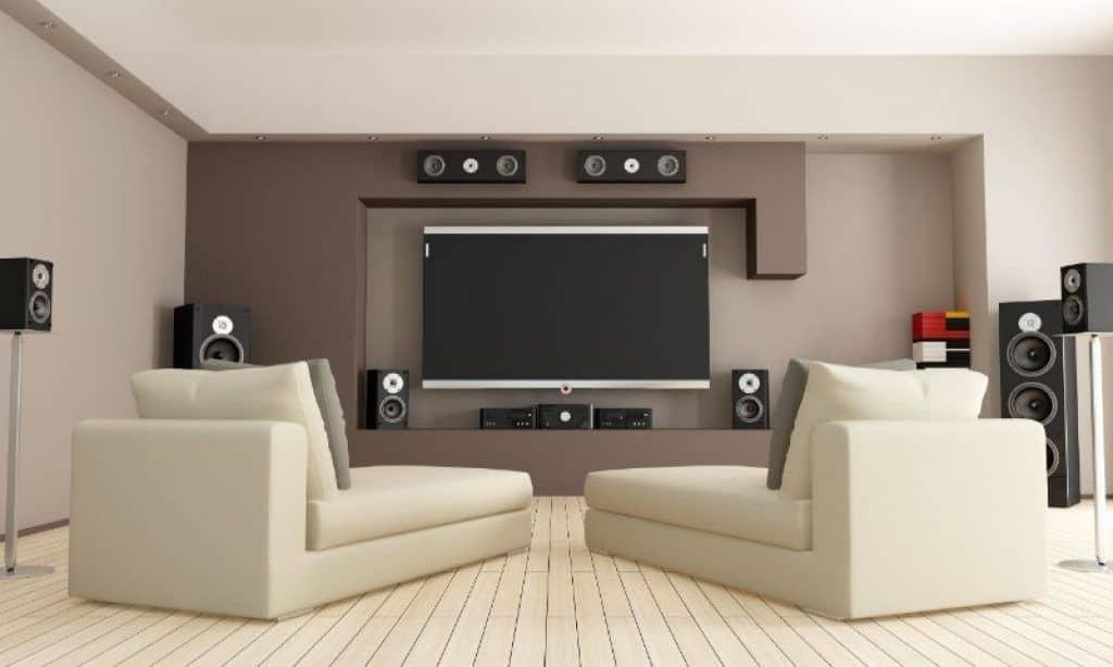 Nice setup of mid range home theater speakers